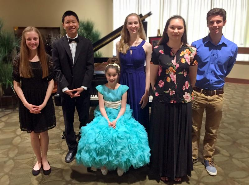 The Junior Jury will award a $500 prize their chosen competitor. Photo by Lynne Noriskin.