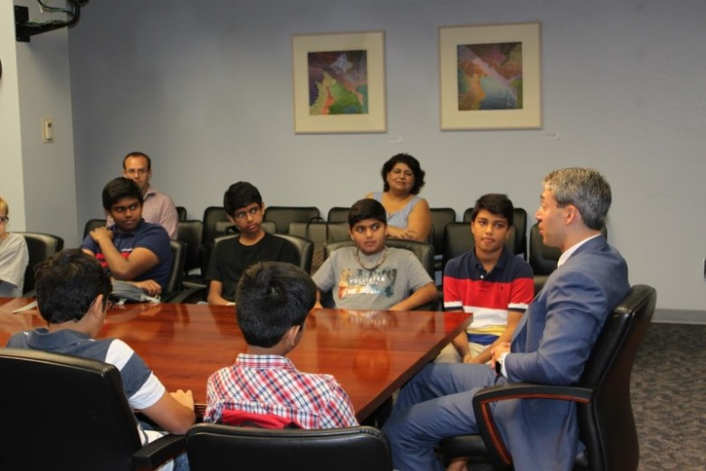 Councilman Ron Nirenberg (D8) talks to students inside City Hall. Photo Courtesy of the San Antonio Youth Leadership Program.