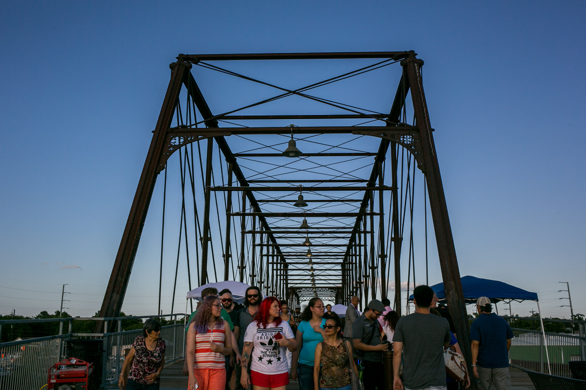 Hundreds of people walk up and down the Hays Street Bridge during SA Good People Soul Saturday. Photo by Kathryn Boyd-Batstone.