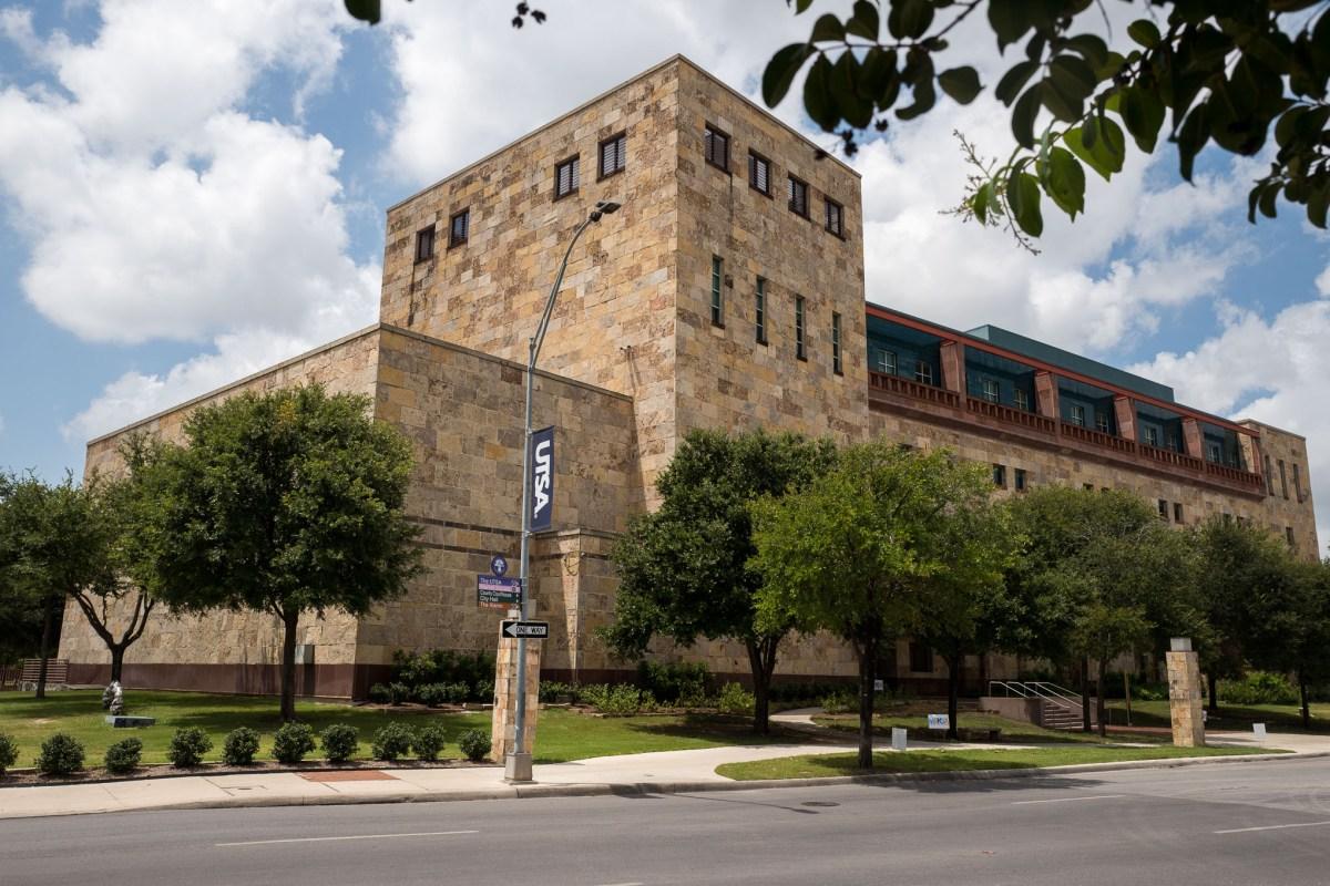 The University of Texas San Antonio Downtown Campus located at 501 West César Chávez Boulevard. Photo by Scott Ball.