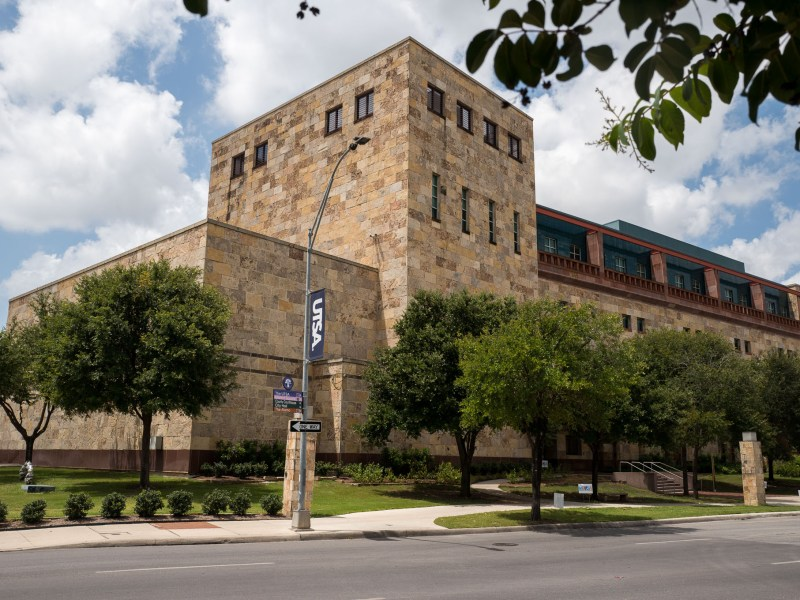 The University of Texas San Antonio Downtown Campus located at 501 West César Chávez Boulevard. Photo by Scott Ball.