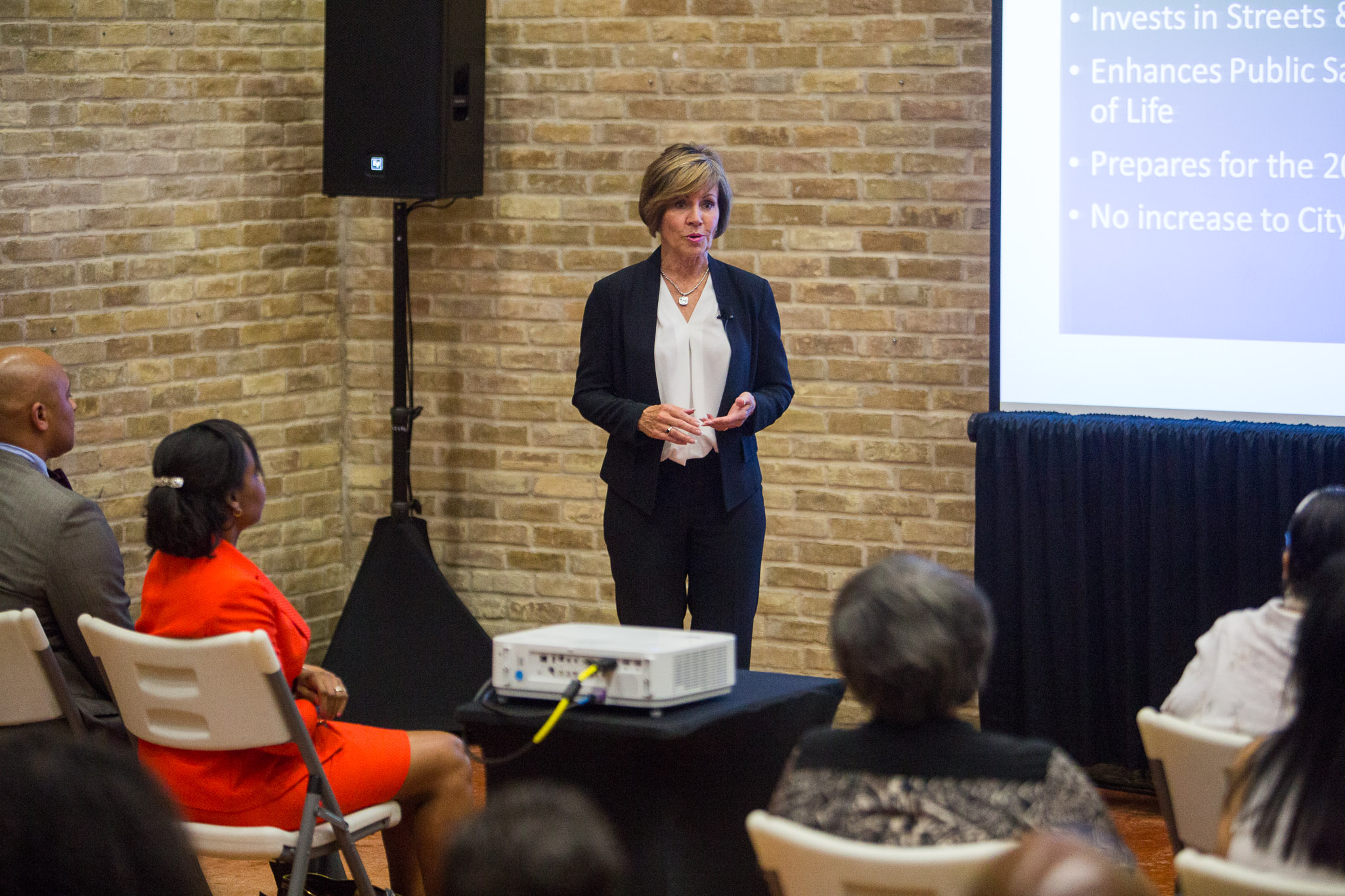 City Manager Sheryl Sculley presents the proposed 2017 San Antonio budget to citizens at the District 2 field office. Photo by Scott Ball.