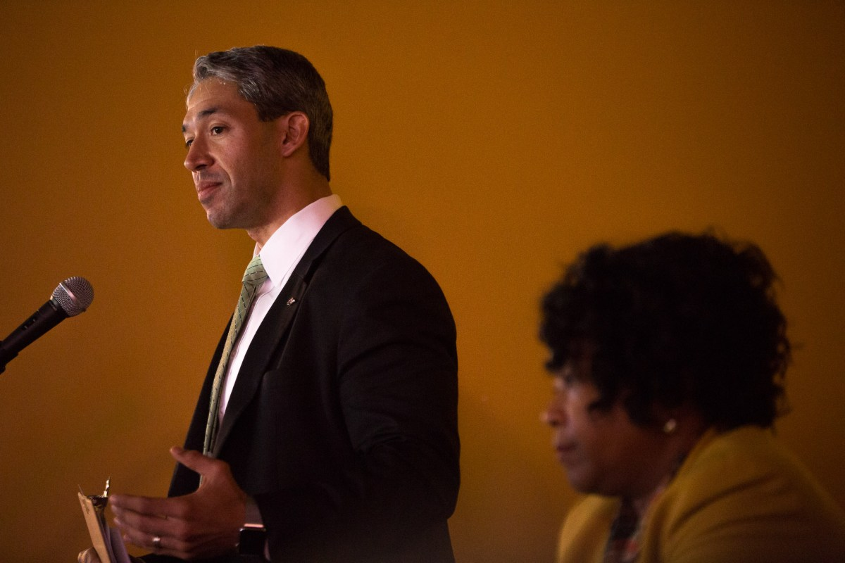 Ron Nirenberg opens discussion on economics at The Well in his district. Photo by Scott Ball.