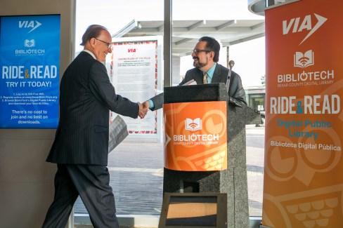 Bexar County Judge Nelson Wolff greets VIA Metropolitan Transit President/CEO Jeffrey C. Arndt. Photo by Kathryn Boyd-Batstone.