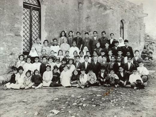 Students and Sisters at Mission De Espada School, 1916-17. Descendants who live in the Espada area have identified many of their ancestors in the photos. Photo courtesy of the Sisters of Charity of the Incarnate Word.
