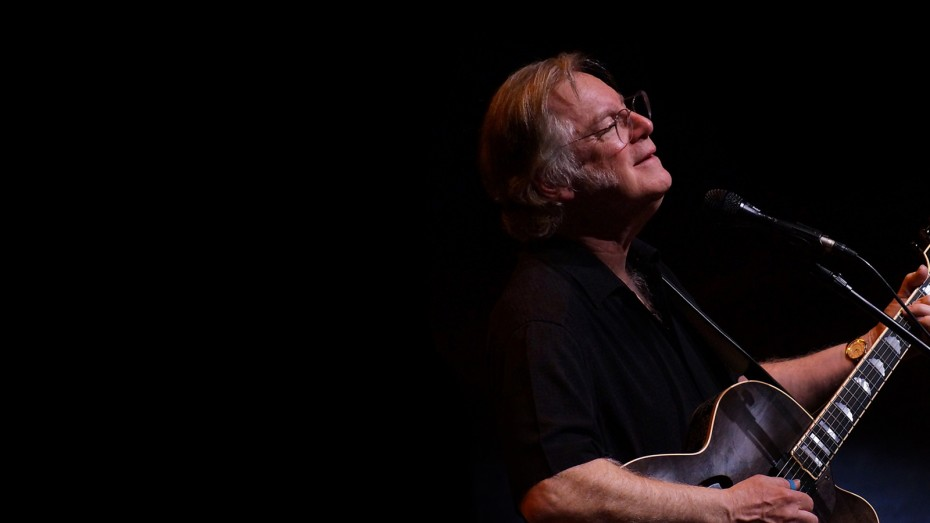 Folksinger John Sebastian will perform in an intimate concert at the Carlos Alvarez Studio Theater on September 27. Image courtesy Tobin Center.