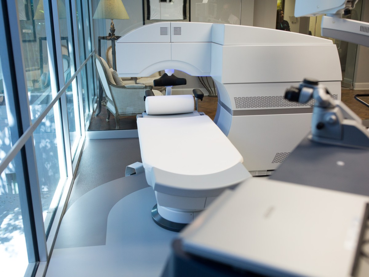 Corneal inlay and refractive lens replacement equipment are prominently featured at Parkhurst NuVision.