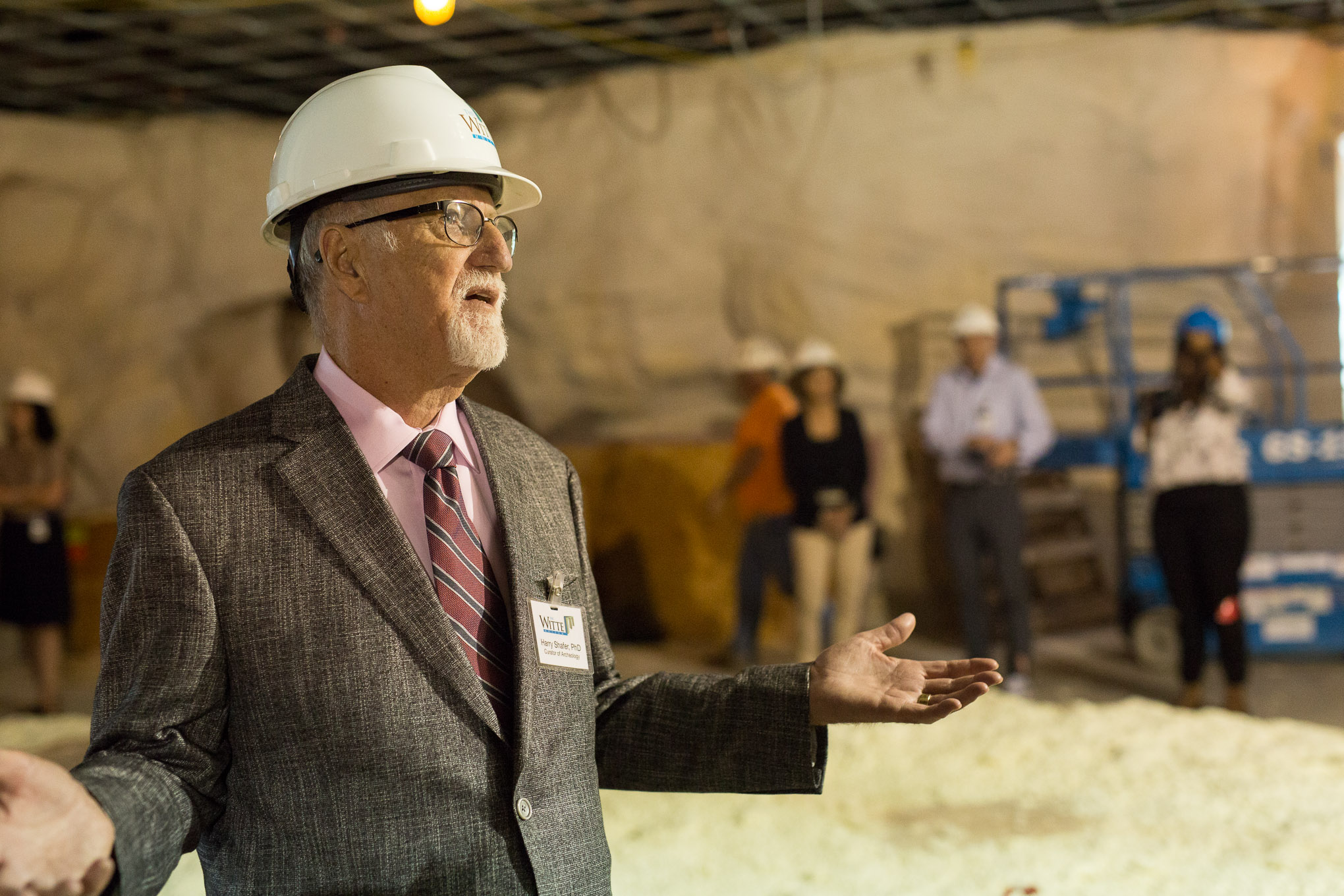 Witte Curator of Archaeology Harry Shafer describes the new permanent exhibition. Photo by Scott Ball.