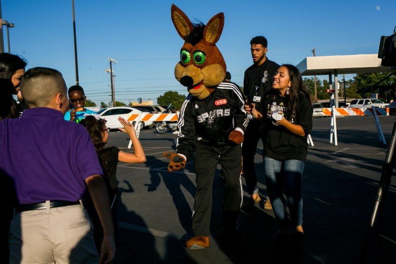 The Spurs Coyote joins the H-E-B celebrations.