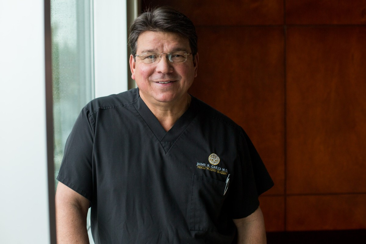 Dr. Jaime Garza and his team are the first in Texas to treat severe knee pain by injecting patients with their own stem cells.