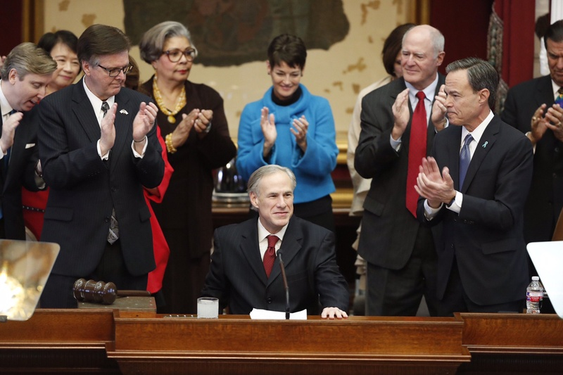 Gov. Greg Abbott prepares to deliver his State of the State address, flanked by (l.-r.) Lt. Gov. Dan Patrick, State Rep. Senfronia Thompson (D-Houston), State Sens. Donna Campbell (R-San Antonio) and Kel Seliger (R-Amarillo), and House Speaker Joe Straus.