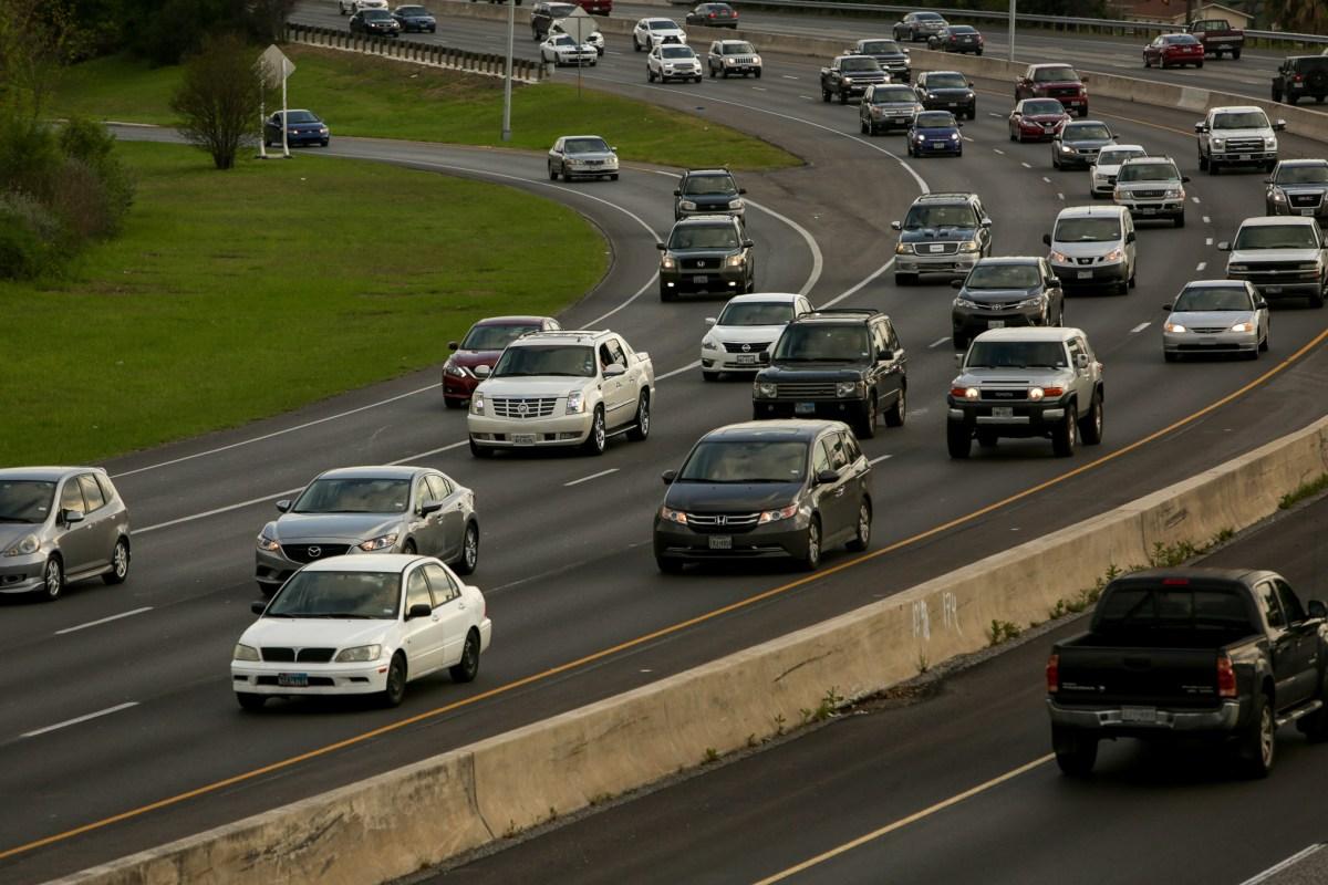 Commuters head north on U.S. Highway 281.