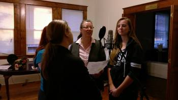 Erin Polewski, Morgan Clyde, Sharon Newhardt, and Catie Carlisle rehearse a piece from the show.