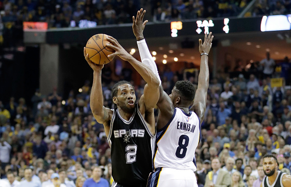 Kawhi Leonard #2 of the San Antonio Spurs shoots the ball against the Memphis Grizzlies in game four of the Western Conference Quarterfinals during the 2017 NBA Playoffs at FedExForum on April 22, 2017 in Memphis, Tennessee.