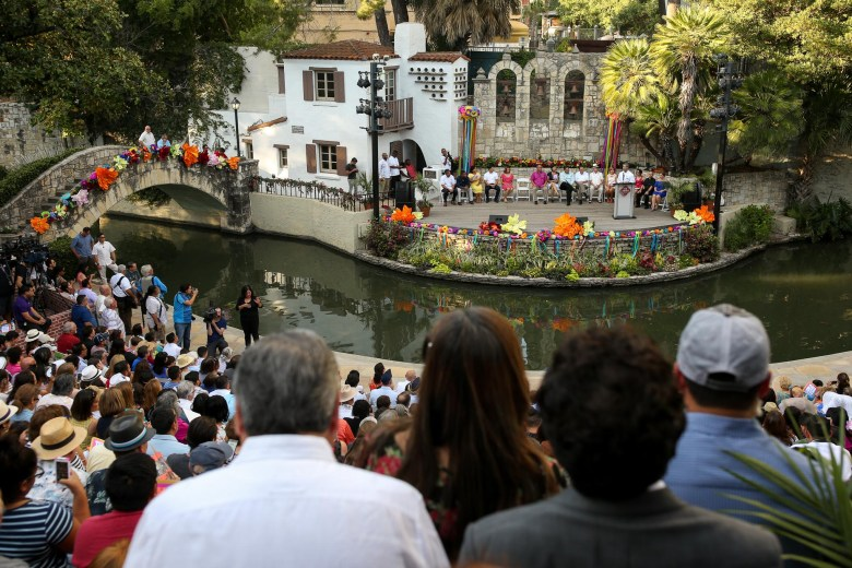 Ron Nirenberg addresses a full Arneson River Theatre during the inauguration ceremony.