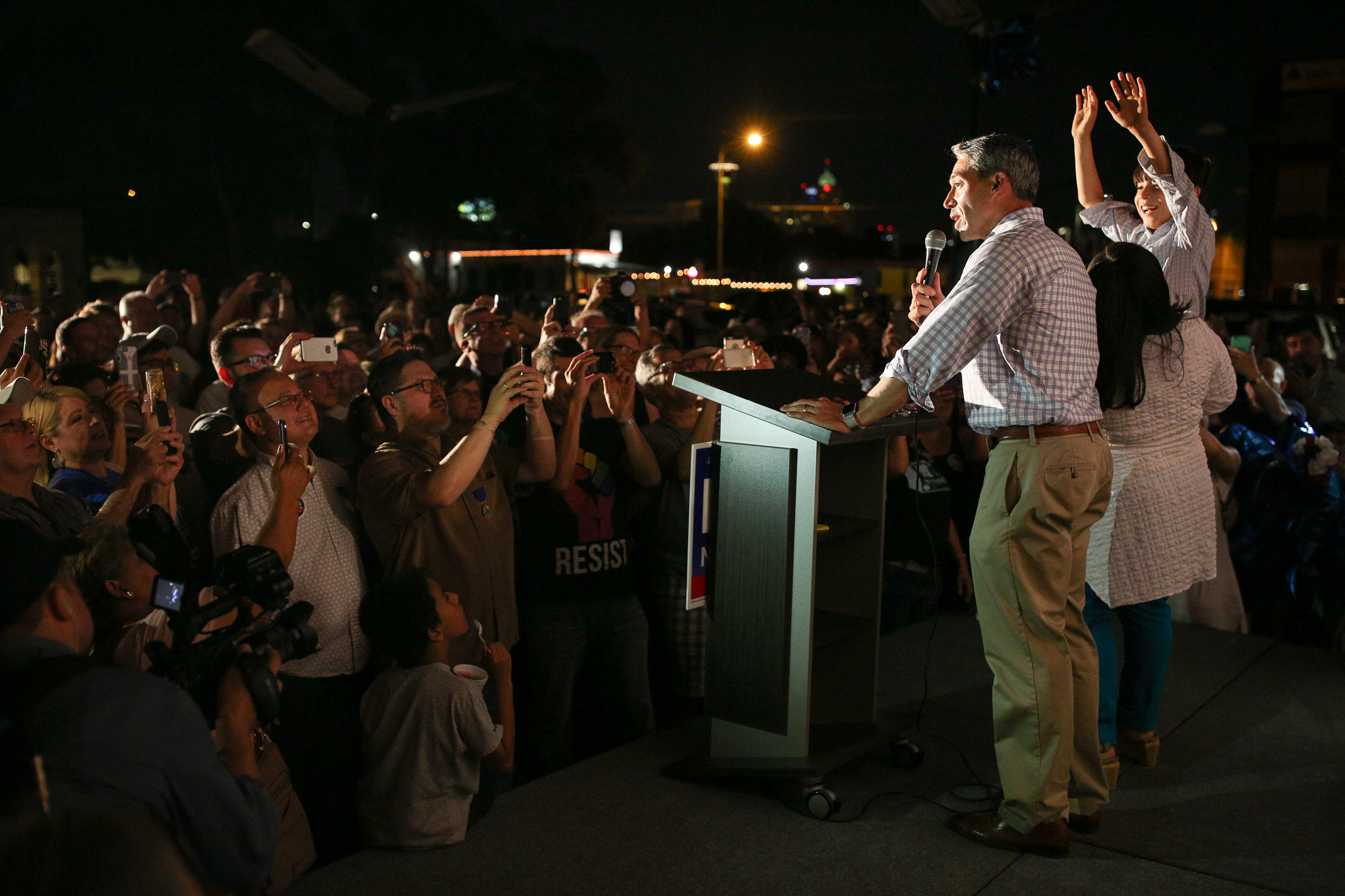 Councilman and Mayor-elect Ron Nirenberg addresses the crowd outside of his campaign headquarters on Broadway.