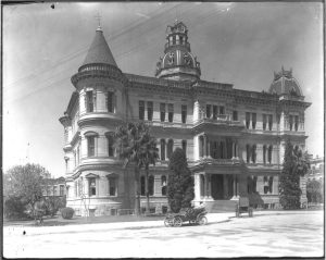 The original City Hall building was three stories tall and featured spires on each corner as well as a dome in the center.