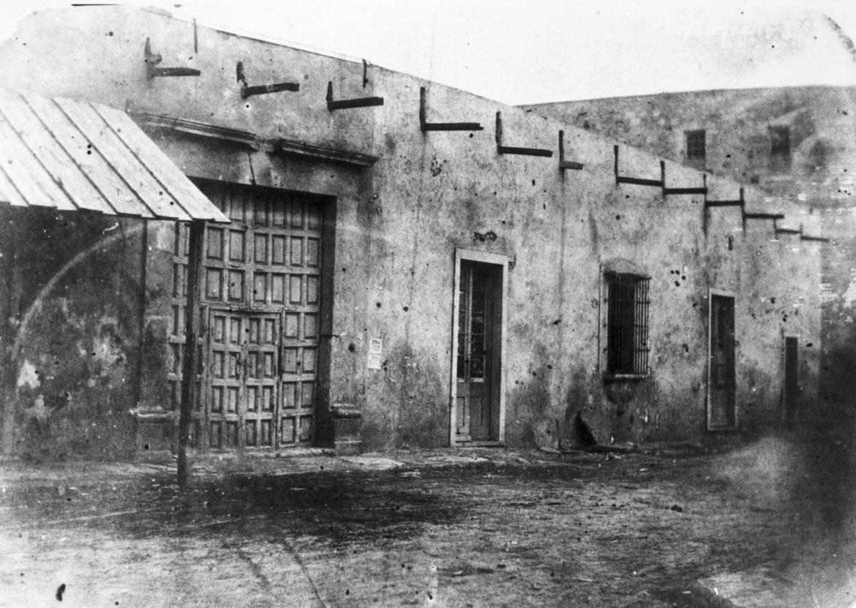 Veramendi Palace on Soledad Street, late 1860s.