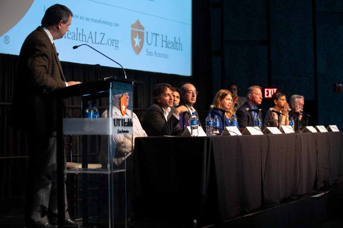 A panel of experts discuss the possible treatment and future of the Alzheimer's disease.