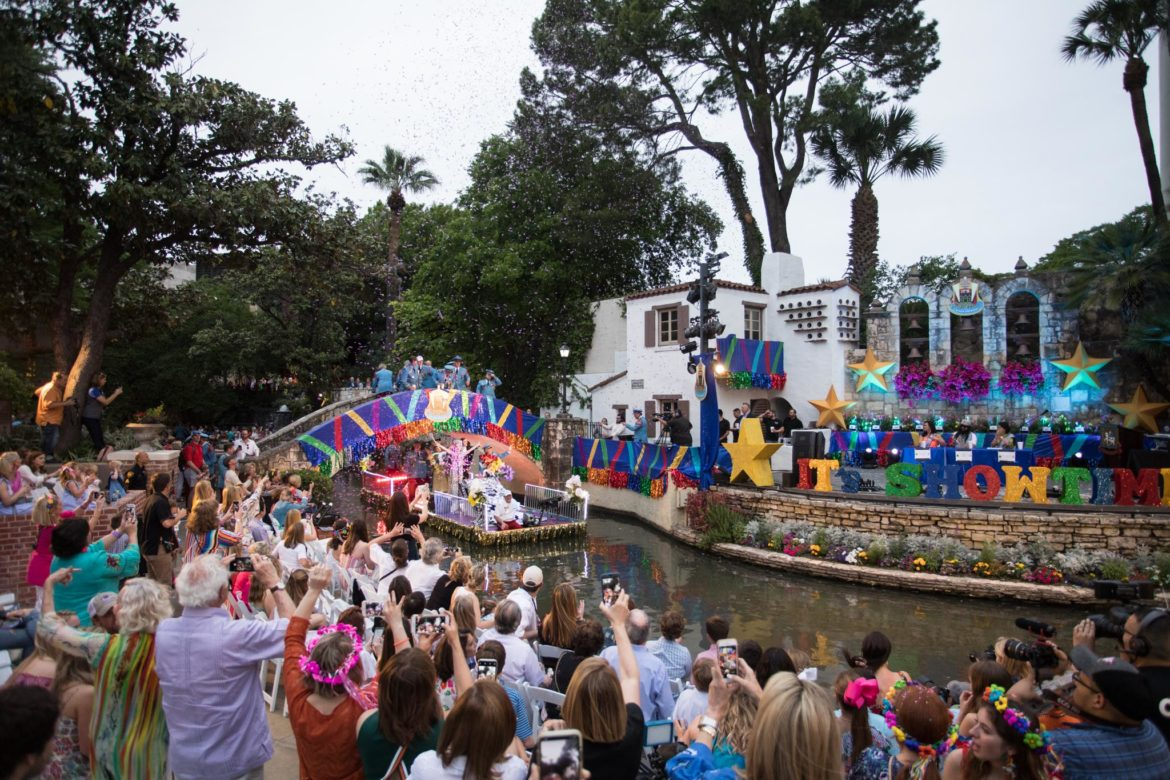The Crown: The Order of the Alamo Nelson Puett Foundation float.