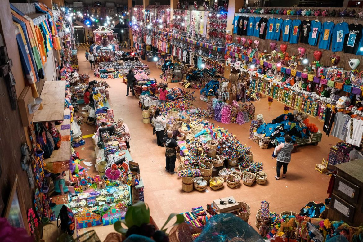 The store features thousands of products with approximately 95% made in Mexico.