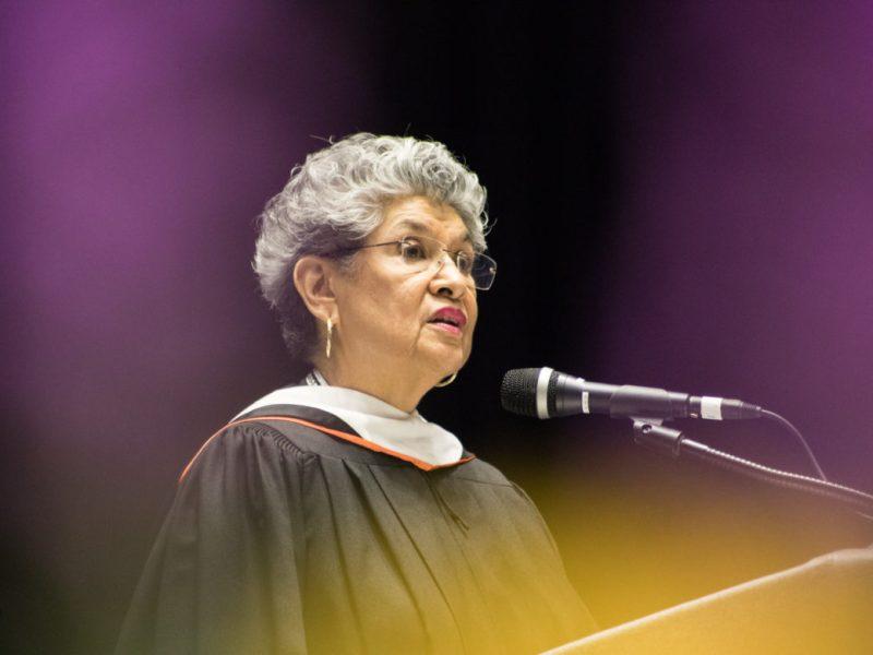 María Antonietta Berriozábal gives an address to OLLU graduates.