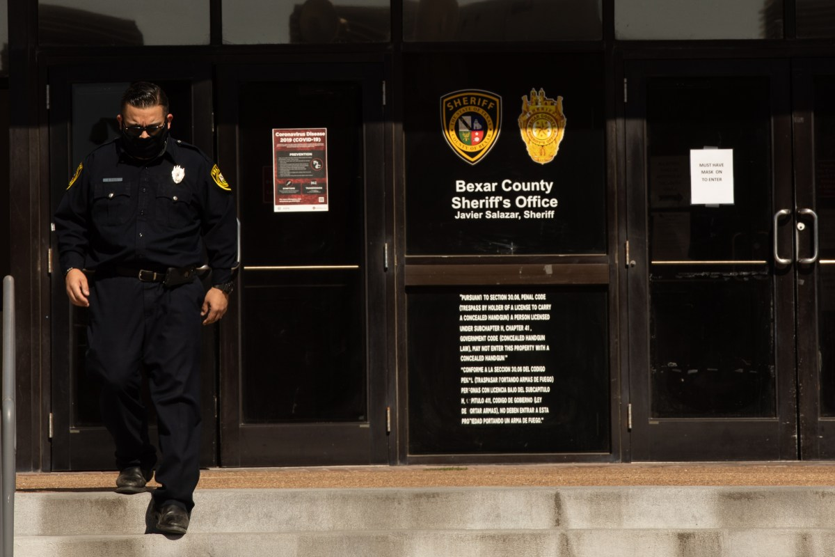 On Monday, after a Bexar County Sheriff's Office detention deputy was escorted to a San Antonio funeral home, the sheriff's office confirmed the death of a coronavirus-positive inmate at the county jail.