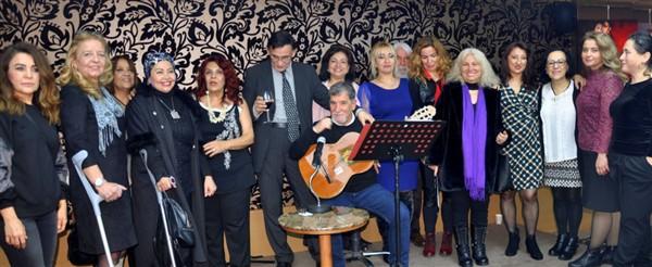 Lal Sergisi 25