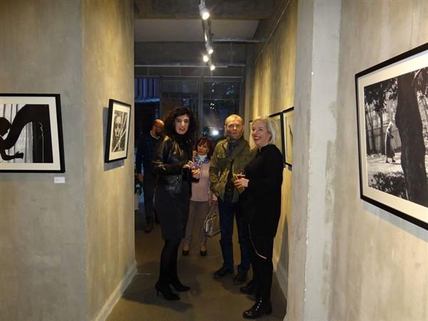 """Anıl Özgüç'ün """"YAS"""" Sergisi Gallery Mod'da Açıldı"""