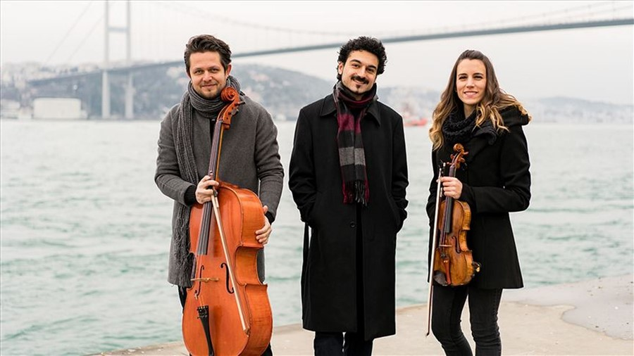 "Bosphorus Trio'dan ""Turkish Piano Trios"""
