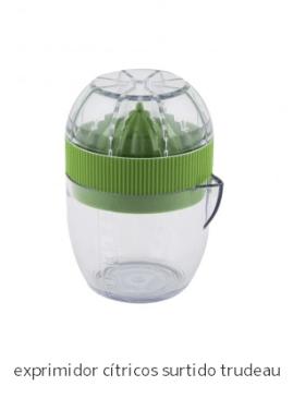 Exprimidor cítricos en vaso