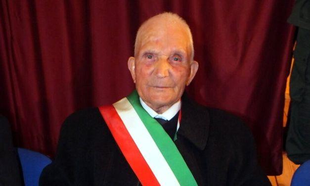 L'elettore più anziano d'Italia è Giovanni La Penna ha 110 anni e 327 giorni. E' l'uomo più longevo d'Italia. Vive a Roseto Valfortore in provincia di Foggia