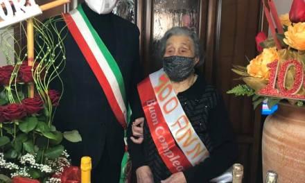 Buon compleanno zia Angela Raffaela.