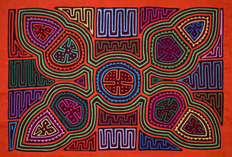 Traditional Mola Kuna women