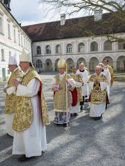 Priester und Diakonweihe