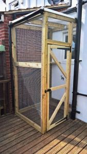 Small Catio Cat Enclosure with Polycarbonate Roof Essex