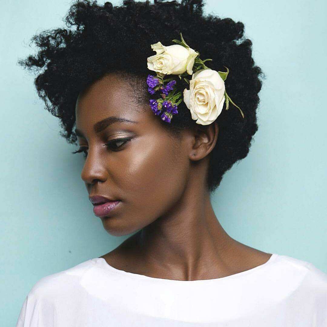 8 Perfect Natural Hair Styles For Destination Weddings