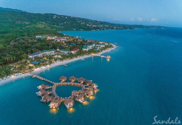 Suite lune de miel de luxe tout compris sur l'eau dans les complexes Sandals de la côte sud de la Jamaïque
