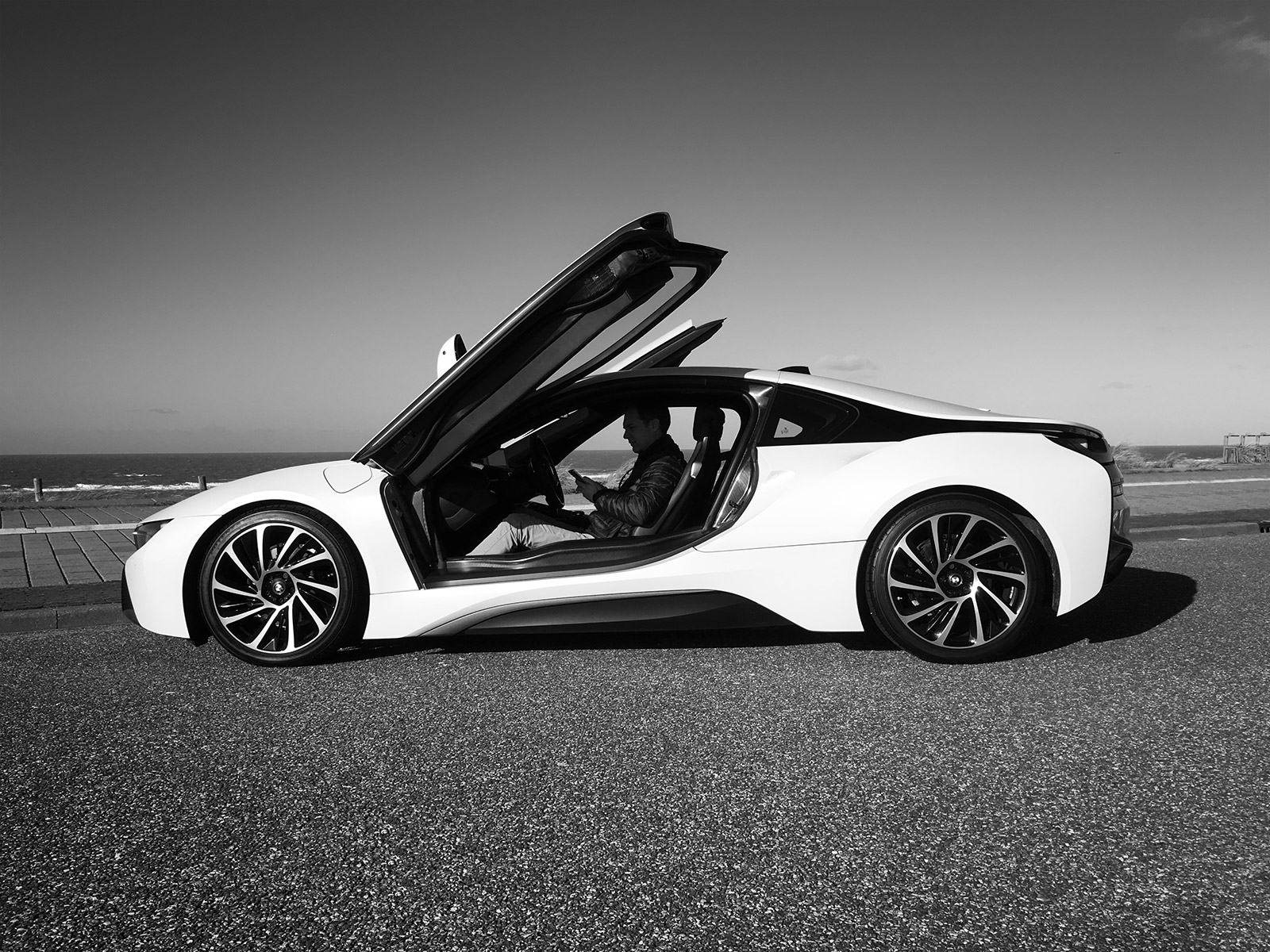 BMW-i8-Sander-van-der-Heide-zw1