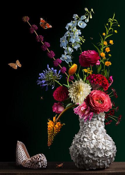 Royal Flora 2.0 te koop bij Sandervanlaar.werkaandemuur.nl een prachtig bloemstilleven uit de 21e eeuw