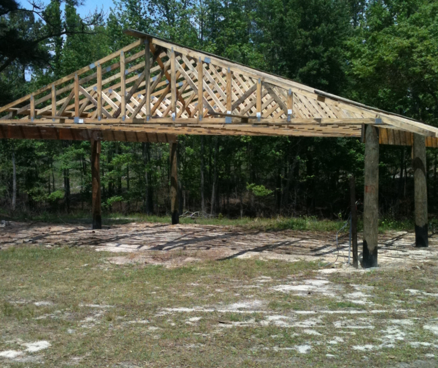 hight resolution of pole barn construction