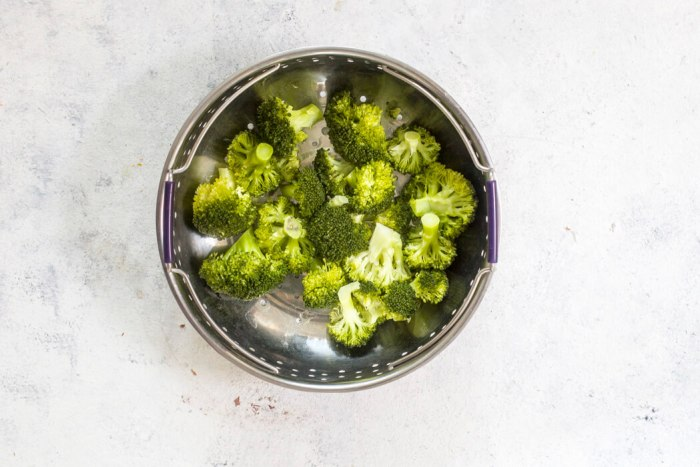 How to make Instant Pot Steamed Broccoli recipe