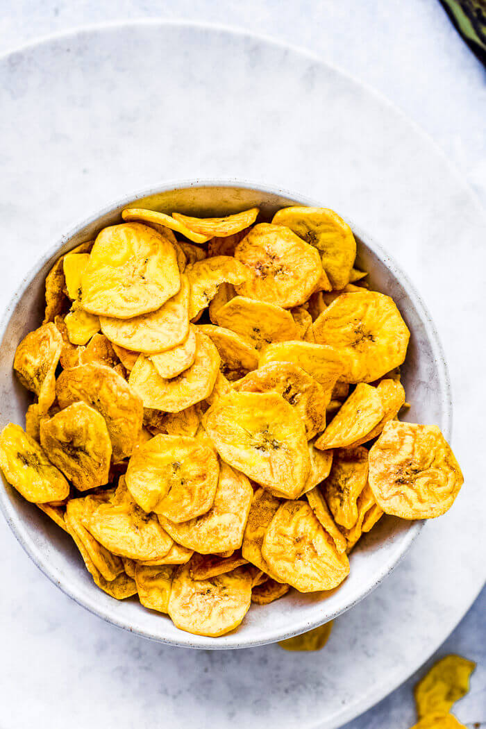 air fryer plantain chips recipe image