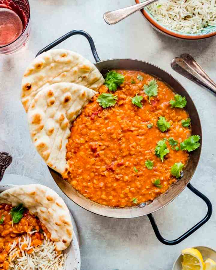 quick and easy red lentil dal curry served with naan bread