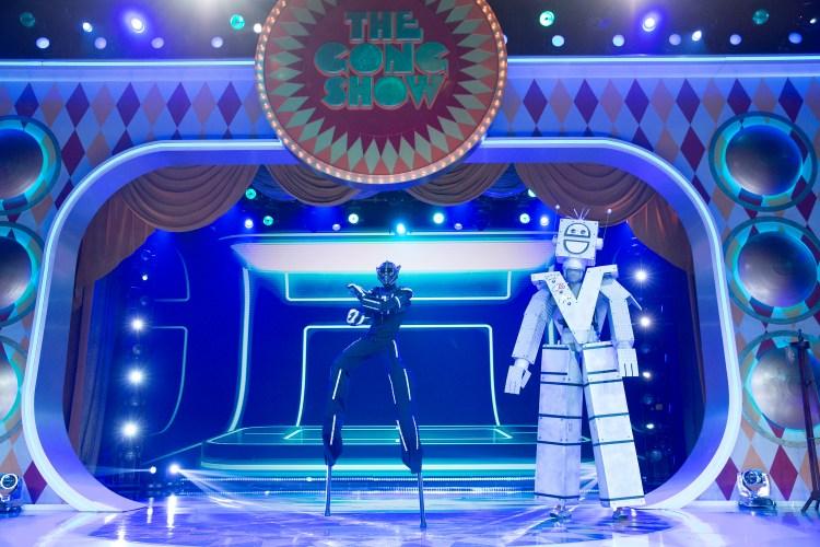 Know Mann - Giant Robot Puppet