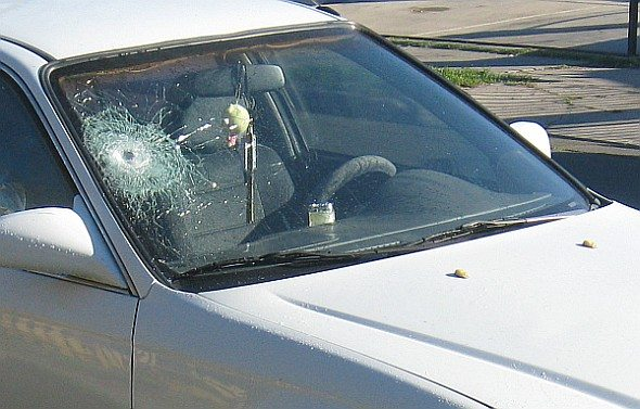 broken_windshield