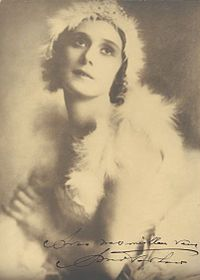 Anna Pavlova in costume for The Dying Swan, Buenos Aires, Argentina, c. 1928