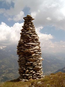 450px-Cairn_at_Garvera,_Surselva,_Graubuenden,_Switzerland
