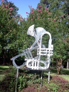 trumpet sculpture in dizzy park