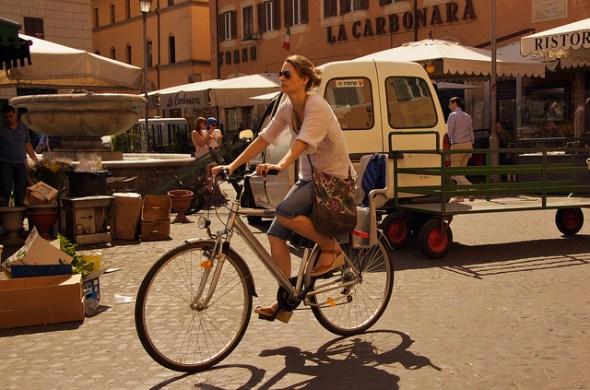 Cyclist in Campo dei Fiori